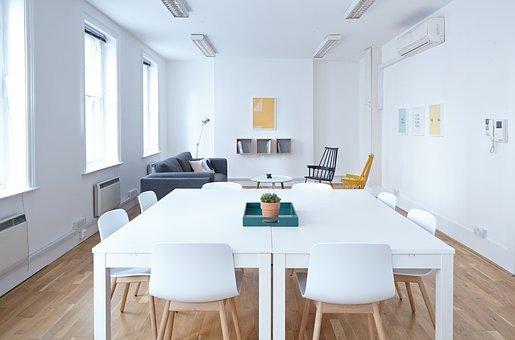 Comment optimiser les cadres de travail avec des meubles sur mesure?